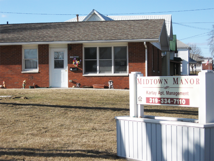 Midtown Manor Apartments for Rent in Winthrop, Iowa.